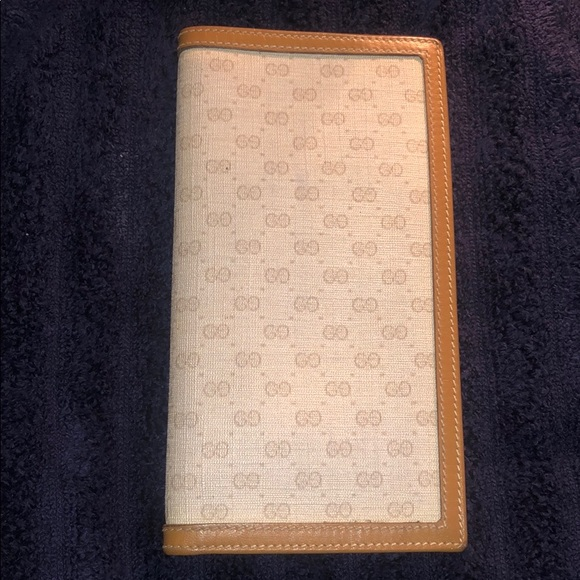 76a798a979158b Gucci Accessories   Vintage Checkbook Cover   Poshmark